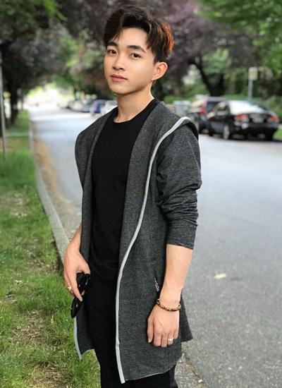 Ca sĩ Trung Quang.