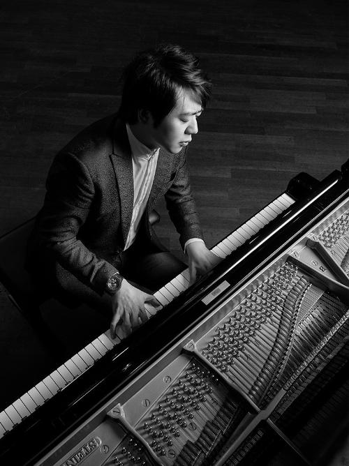 Thần đồng piano Lang Lang tái xuất - 3