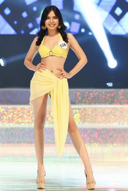 Trong đêm chung kết Hoa hậu Siêu quốc gia Việt Nam diễn ra tối 22/8 tại Seoul, Hàn Quốc, 15 thí sinh trải qua ba phần thi: áo dài, bikini và dạ hội.
