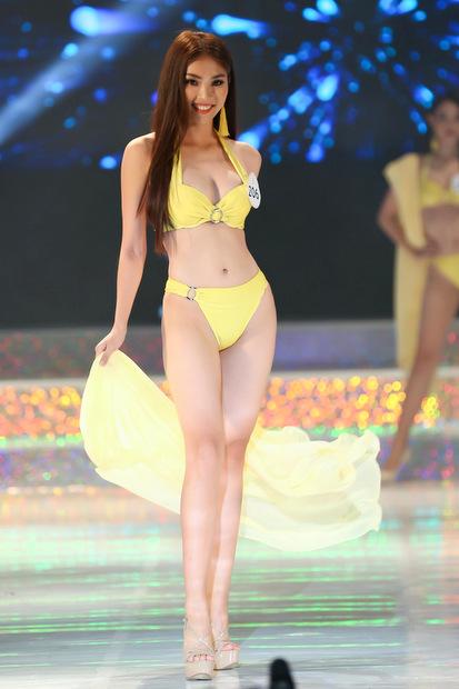 Thí sinh Hoa hậu Siêu quốc gia Việt Nam diễn bikini - 5