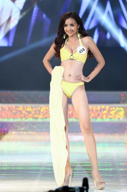 Ngọc Châu - tân hoa hậu - là một trong những ứng viên sáng giá từ đầu cuộc thi. Cô từng đăng quang Việ