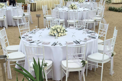 Không gian tiệc đính hôn tràn ngập sắc trắng của Nhã Phương, Trường Giang.