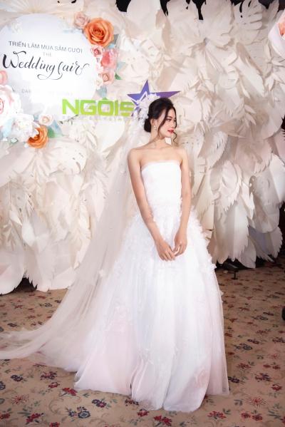 Lan Khuê diện váy cưới làm vedette - 5