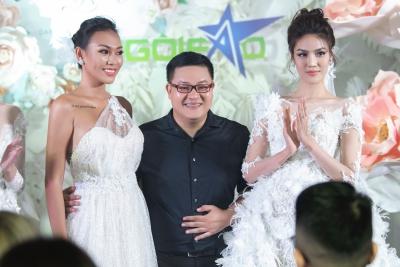 Nhà thiết kế Vĩnh Thụy bên Lan Khuê và người mẫu Diệu Huyền.