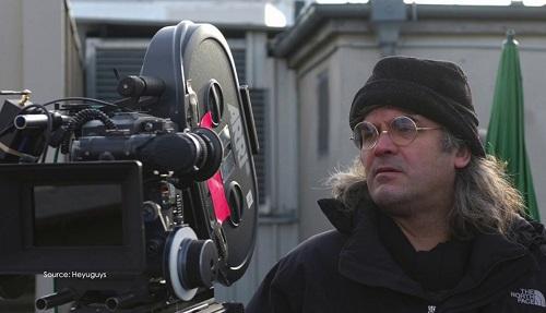 Paul Greengrass là nhà làm phim người Anh sinh năm 1955.