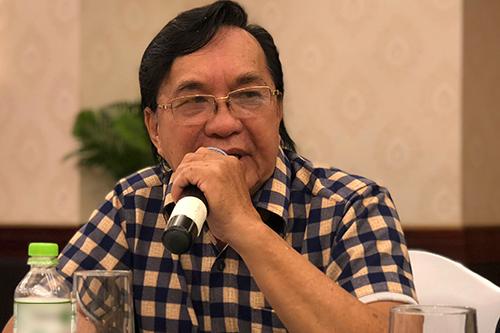 NSƯT Thanh Tuấn dự buổi họp báo ra mắt liên hoan sáng 29/8. Ông mong số huy chương sẽ không trở thành áp lực xét danh hiệu cho các nghệ sĩ.