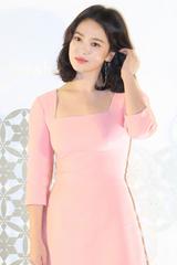 Song Hye Kyo lo ngại dấu tuổi tác trên gương mặt