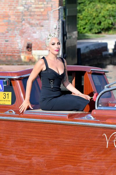 Ngày 30/8, Lady Gaga có mặt tại Liên hoan phim Venice 2018 để quảng bá cho bộ phim A Star Is Born, tác phẩm cô đóng cùng Bradley Cooper.