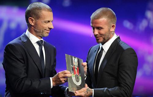 Tại sự kiện, David Beckham được chủ tịch Liên đoàn bóng đá châu Âu UEFA, Aleksander Čeferin vinh danh vì những đóng góp cho nền bóng đá thế giới.