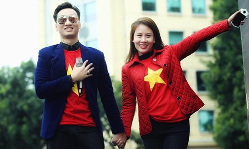 MC Thành Trung và bà xã Ngọc Hương là fan cuồng nhiệt của bóng đá.