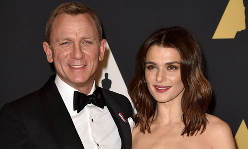 Daniel Craig và Rachel Weisz có con khi ở lứa tuổi U50.