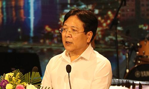 Ông Vương Duy Biên phát biểu tại bế mạc liên hoan.