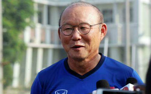 Huấn luyện viên Park Hang-seo nổi tiếng là người nghiêm khắc, khiến cầu thủ kính nể. Ảnh: Đức Đồng.
