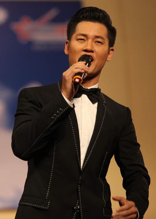 Mỹ Linh, Tân Nhàn hát trong chương trình hòa nhạc
