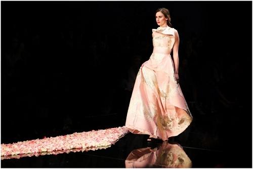 NTK Việt - Phương My mở màn Vancouver Fashion Week tại Canada - 5