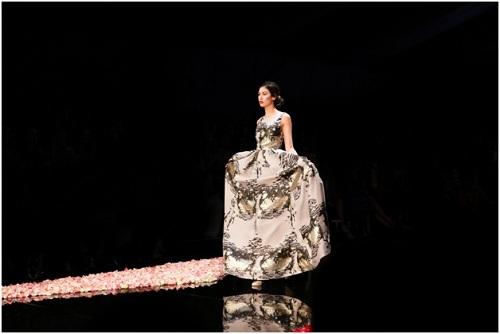 NTK Việt - Phương My mở màn Vancouver Fashion Week tại Canada - 6