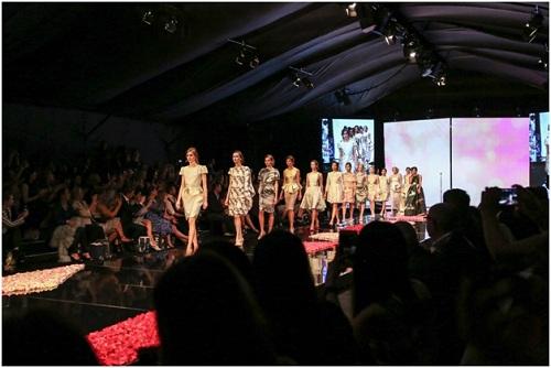 NTK Việt - Phương My mở màn Vancouver Fashion Week tại Canada - 7