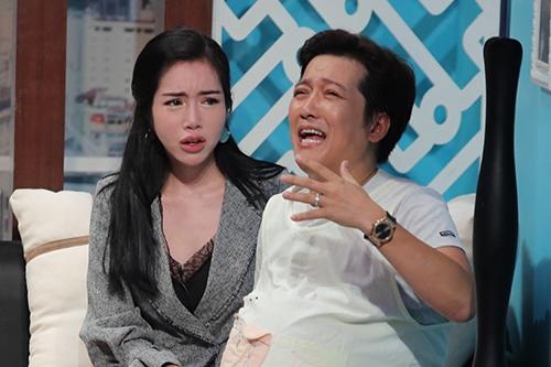 Trường Giang đeo nhẫn cưới diễn cùng Elly Trần.