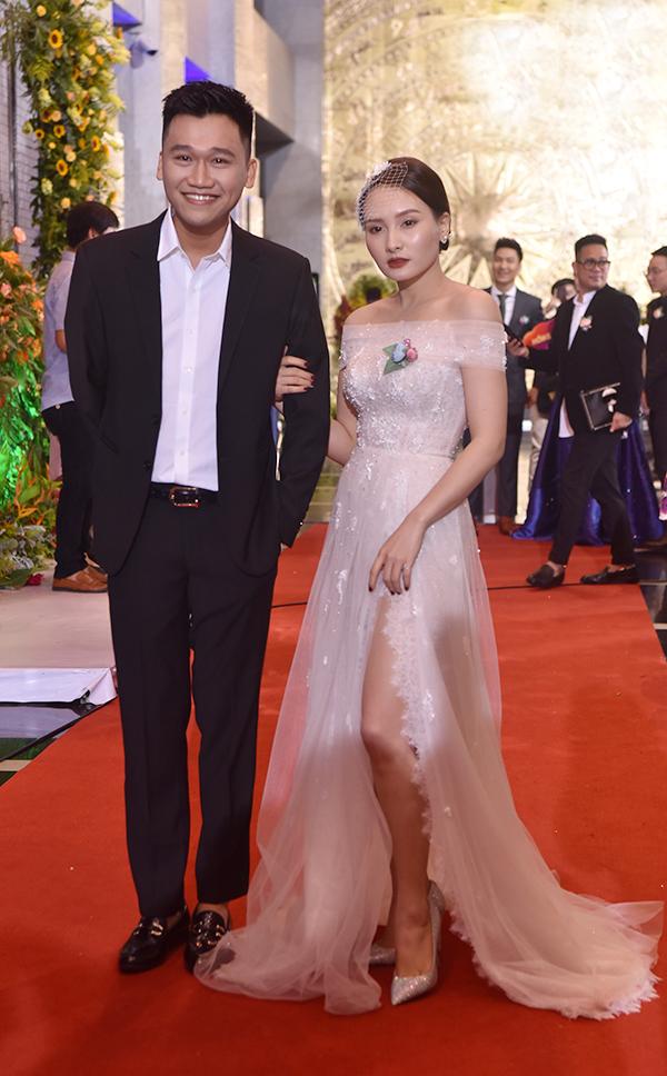 Nhã Phương diện đầm công chúa trên thảm đỏ
