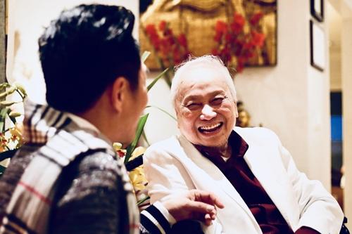 Lam Phương trực tiếp góp ý cho ca sĩ khi làm album.\