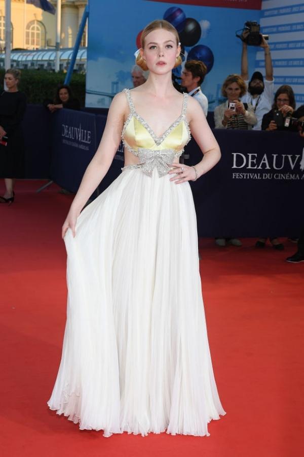 Natalie Portman đẹp nhất tuần với đầm xẻ ngực