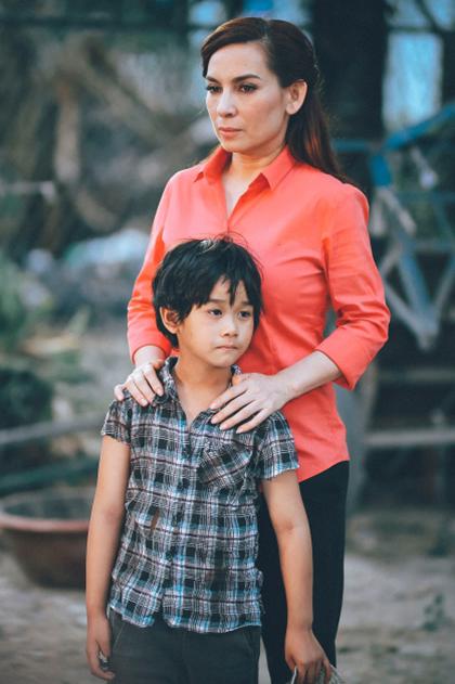 MV về thân phận trẻ mồ côi của Phi Nhung gây xúc động