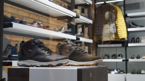 Dòng sản phẩm Amphibiox với khả năng chống thấm nước và thở bất kể thời tiết hay những đôi giày công sở - Moccasin cho các quý ông thành thị trong mùa lạnh năm nay.