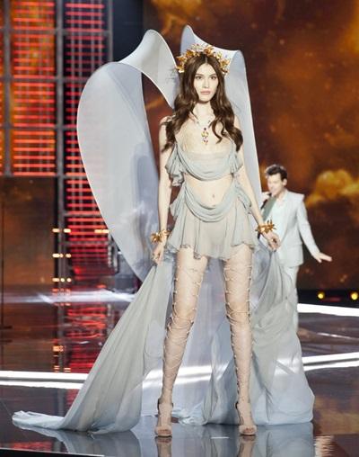 Người mẫu Trung Quốc Hà Tuệ.
