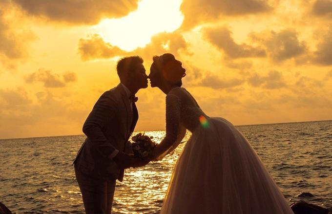 Hoa hậu Đại dương Đặng Thu Thảo chụp ảnh cưới trên đảo
