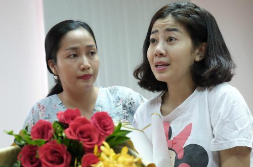 Hành động gây xúc động của bé Lavie sau khi mẹ Mai Phương được xuất viện về nhà