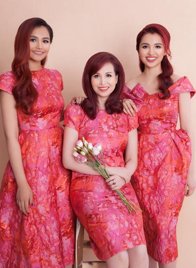 Diệu Ly (phải) và Diệu My có vẻ đẹp lai Việt - Ấn.