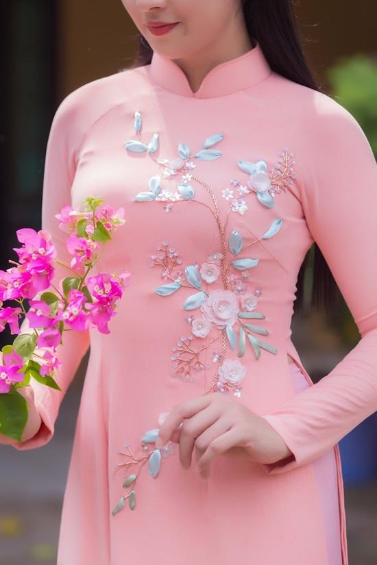 Hoa hậu Ngọc Hân thiết kế áo dài cưới