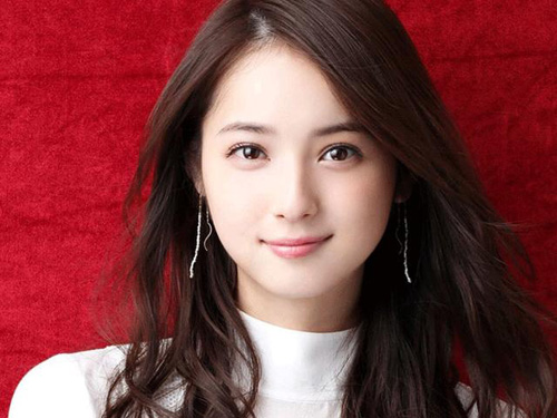 Diên viên kiêm người mẫu Nozomi Sasaki.