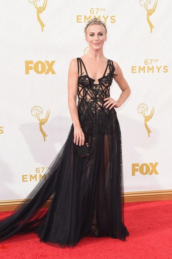Những bộ đầm gợi cảm trong lịch sử Emmy