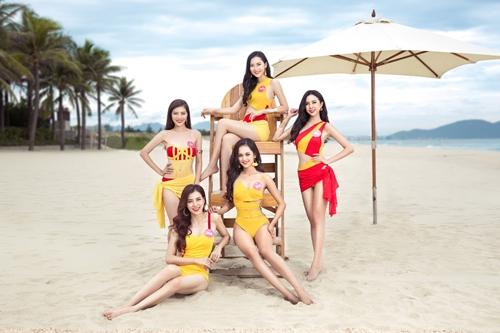 Á hậu 2 Nguyễn Thị Thúy An (ngoài cùng bên phải) rực rỡ với trang phục Bikini Vietjet.