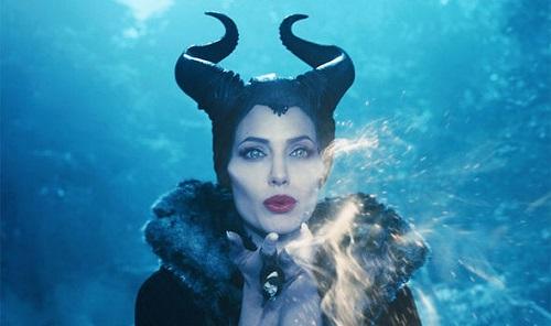 Maleficent (758 triệu USD)là phimcó doanh thu cao nhất mà Angelina Jolie tham gia với vai trò diễn viên.