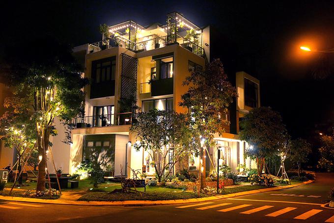 Biệt thự rộng 550 m2, giá hơn 20 tỷ của ca sĩ Quách Thành Danh