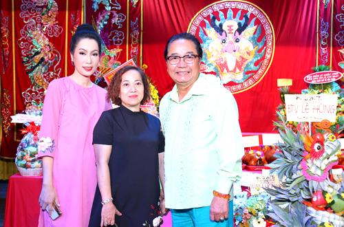 Diễn viên Nguyễn Sanh (phải) góp mặt ở sân khấu Trịnh Kim Chi.