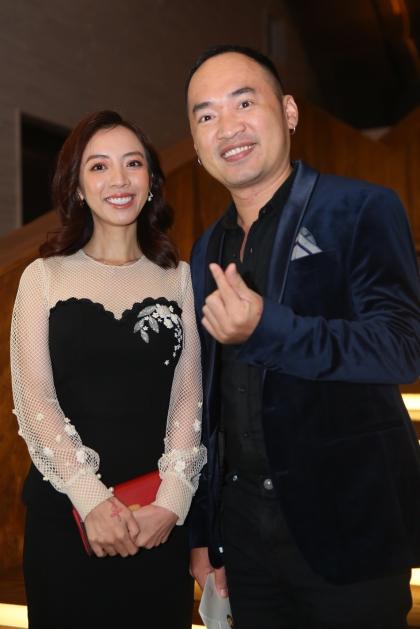 Vợ chồng Thu Trang - Tiến Luật là một trong những nghệ sĩ có mối quan hệ thân thiết với Trường Giang.
