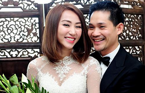 Vợ chồng Ngân Khánh trong lễ cưới 2015.