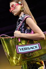 Fan tức giận khi Versace bị Michael Kors thâu tóm