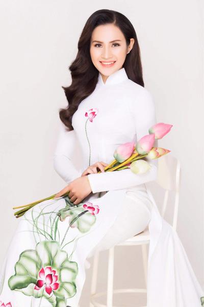 Lương Yến Thanh có nét đẹp hiền hậu với gương mặt tròn, mắt to.