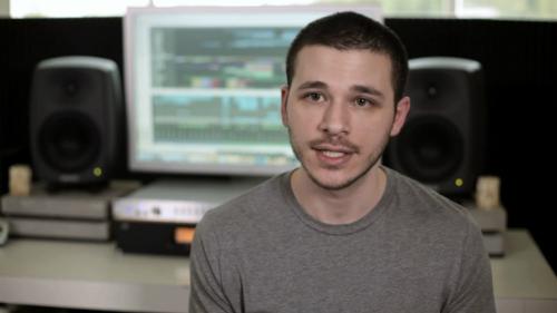Nhà sản xuất âm nhạc Zack Hemsey.