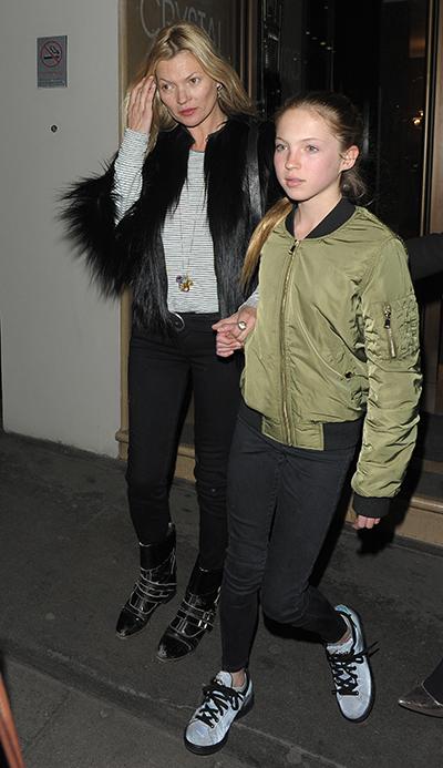 Cô được mẹ dạy catwalk và tham gia chụp hình cùng mẹ trên Vogue từ năm tám tuổi.