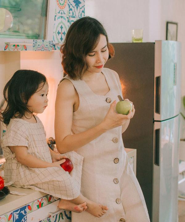 Lưu Hương Giang, Hồ Hoài Anh chơi đùa cùng hai con gái