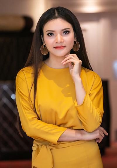 Phạm Phương Thảo là người đa cảm. Cô dễ khóc khi nhắc đến cuộc hôn nhan tan vỡ, chuyện lẻ bóng ở tuổi 36.