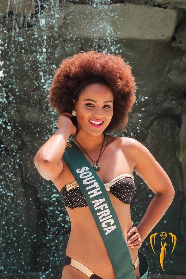 Thí sinh Miss Earth mặc bikini ra mắt báo giới Philippines