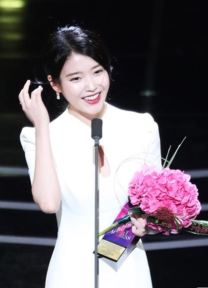 Diễn viên IU đoạt Nữ diễn viên xuất sắc hàng đầu (thể loại phim ngắn) với tác phẩm My Mister (Ông chú của tôi) của đài tvN. Đoạt giải thưởng cùnghạng mục dành cho diễn viên namlà tài tử Park Seo Joon của phim Thư ký Kim. Vì bận lịch trình, anh không thể có mặt nhận giải.