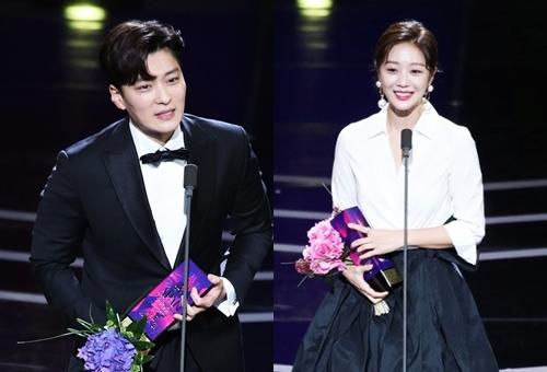 Nam - Nữ diễn viên xuất sắc (dài tập) được trao choJang Seung Jo (phim Money flower) vàJo Bo Ah (tác phẩm Goodbye to goodbye)