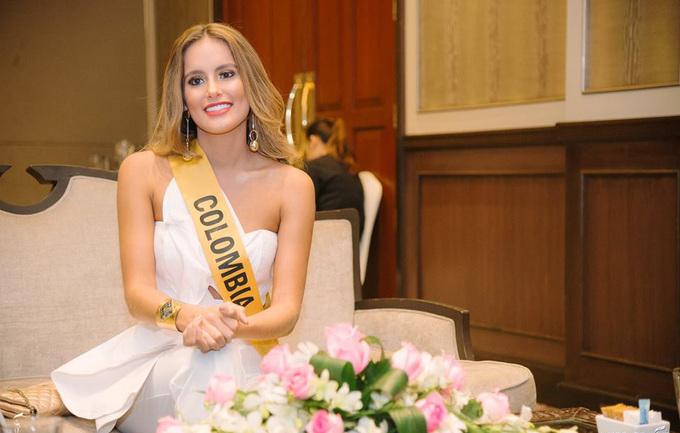 Phương Nga mặc xuyên thấu gặp giám khảo Miss Grand International